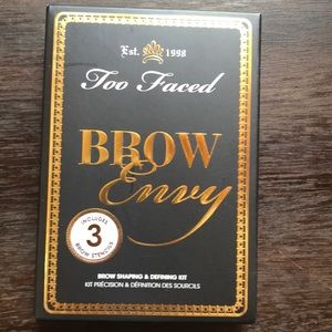 Too Faced Brow Envy Brown Shaping and Defining Kit